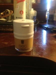 SET foundation pot with concealer